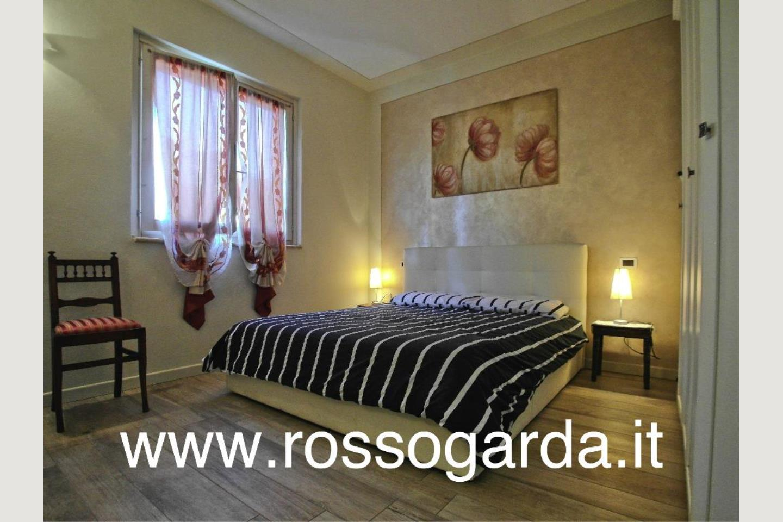 Villa Bifamiliare  Padenghe camera padronale