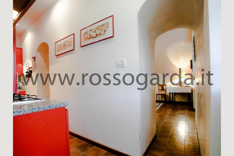 Corridoio villa con piscina in vendita Pozzolengo