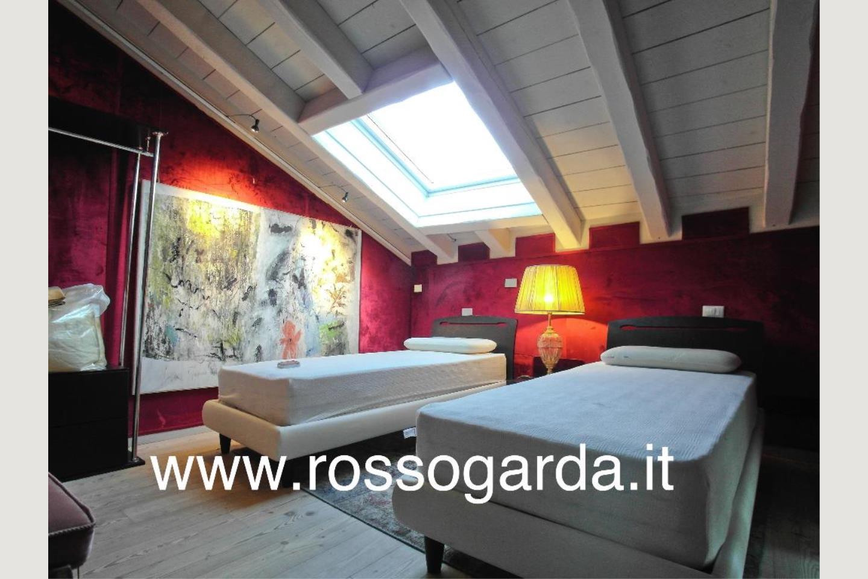 camera 1 Attico vista lago Desenzano vendita