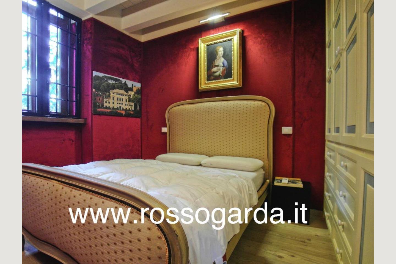 Attico vista lago Desenzano vendita camera 3
