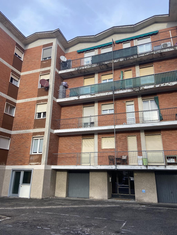 Appartamento 3 locali con box e balconi
