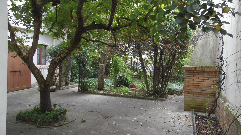 Ravenna Ampio immobile con giardino Rif. D 9441