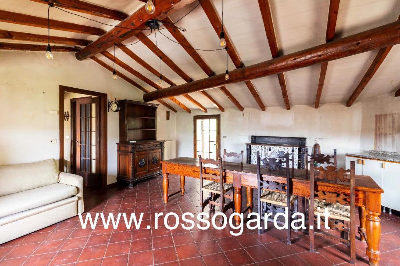 Dimora 800  vendita Castellaro Lagusello mansarda
