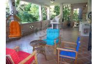 Semindipendente piano terra con porticato e giardino