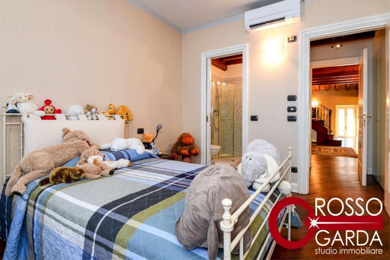 Attico centro vendita Desenzano camera letto 2
