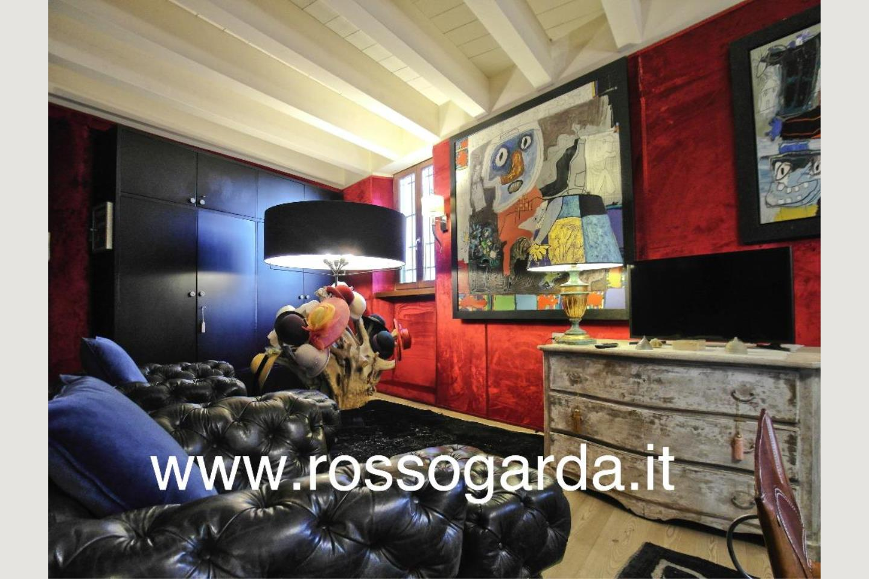 Attico vista lago Desenzano vendita soggiorno