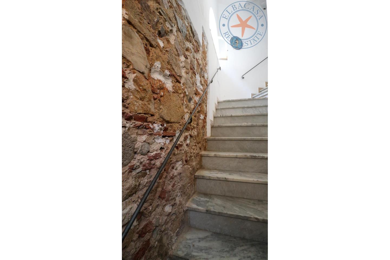 Palazzo in Vendita Portoferraio