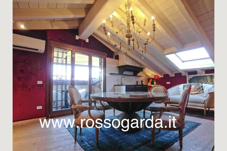 Attico vista lago Desenzano vendita Sala