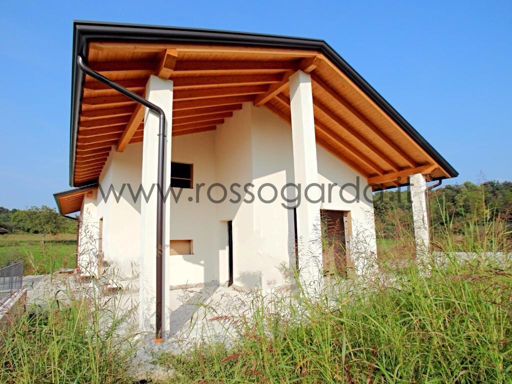 Nuova villa singola in classe A a Lonato con finiture e ambienti da personalizzare